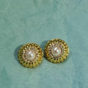 Graziano Vintage Clip on Earrings